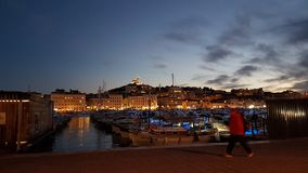 Marseille skeppsdocka vid natt Royaltyfri Foto