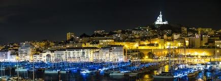 Marseille Vieux port på natten Royaltyfria Bilder