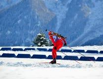 Marsel Sharipov konkurriert in regionaler Schale IBU in Sochi Stockfoto