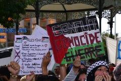 Marselha, França - 9 de agosto de 2014: Recolhimento do protestador durante a demonstraçãode à Imagens de Stock Royalty Free