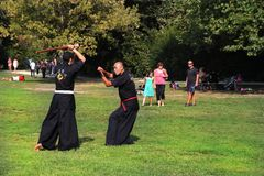 MARSELHA, FRANÇA - 26 DE AGOSTO: Lutadores de Kendo. Marselha Festiva fotografia de stock royalty free