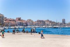 Marselha, France Cais do porto velho e do Saint Nicolas do forte Imagem de Stock