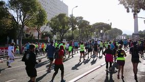 MARSELLA, FRANCIA/28-10-2018 - editorial: Edición 2018 de la casis de Marsella del Semi-maratón almacen de metraje de vídeo