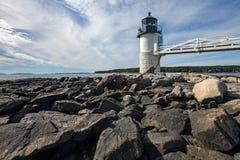 Marshall punktu światło jak widzieć od skalistego wybrzeża Portowy Clyde, Zdjęcia Royalty Free