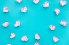 Marshmallow colorido na forma do coração Partido e celebração Textura decorativa do fundo fotografia de stock