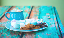 Marshmallow cookies and chocolate Royalty Free Stock Images
