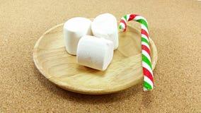 Marshmallow do Natal e bastão de doces Imagem de Stock Royalty Free