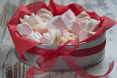 Marshmallow in the gift box Royalty Free Stock Images