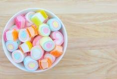 Marshmallow w filiżance fotografia royalty free