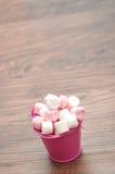 Marshmallows cor-de-rosa e brancos Imagem de Stock Royalty Free