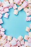 Marshmallows cukierki Na tle Obrazy Stock