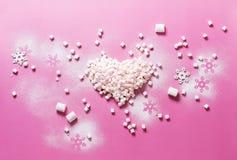 Marshmallows do coração do Natal da preparação do conceito Foto de Stock Royalty Free
