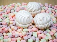 marshmallows Fundo ou textura de mini marshmallows coloridos imagens de stock