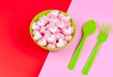 Marshmallows in the green bowl. Selective focus Royalty Free Stock Photos