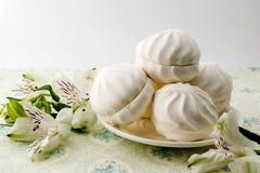 Marshmallows na talerzu Zdjęcie Royalty Free