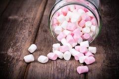 Marshmallows w słoju Zdjęcia Royalty Free