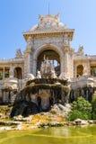 Marsiglia, Francia Precipiti a cascata la fontana e la scultura nella parte centrale della facciata del palazzo di Longchamp, 186 Fotografia Stock Libera da Diritti