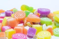 Marsmellow met de achtergrond van het gelatinedessert Stock Afbeeldingen