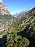 Marsyangdi rzeczna dolina od Górnego Pisang, Nepal Zdjęcie Stock