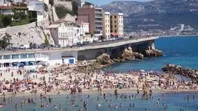 Marsylski, Francja, Maj - 29: turyści i miejscowi cieszy się sunn fotografia royalty free