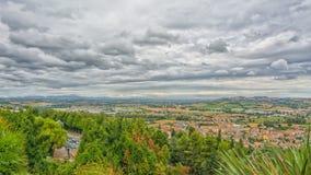 Marsz wsi krajobraz w Włochy Widok od tarasu sanktuarium Święty dom Loreto miasteczko Zdjęcie Royalty Free