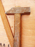 Martèlement du marteau image stock