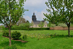 Martainville Frankrike - kan 13 2016: kyrka Royaltyfri Fotografi