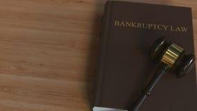Marteau de juge sur le livre de LOI de FAILLITE Rendu 3d conceptuel illustration de vecteur