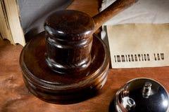 Marteau en bois de vente aux enchères image libre de droits