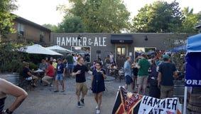 Marteau et bière anglaise, Memphis, Tennessee photos libres de droits