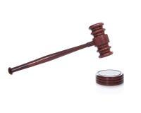 Marteau ou maillet en bois comme employé par un juge dans une salle d'audience Images stock