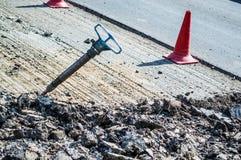 marteau piqueur au milieu de la route Photo libre de droits