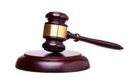 Martelletto di legno e tavola armonica del giudice isolati su bianco Immagini Stock