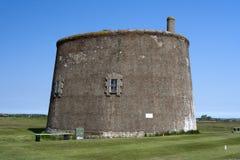 在费利克斯托的Martello塔,萨福克,英国 免版税库存图片