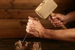 Martello della mano dello strumento del carpentiere dello scalpello da legno della sgorbiatura immagini stock libere da diritti