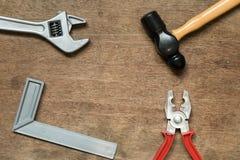 Martello dello strumento dell'attrezzatura del giocattolo, quadrato di mechinist, chiave, pinze immagine stock libera da diritti