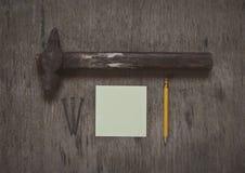 Martello e chiodi, astrazione Fotografia Stock Libera da Diritti