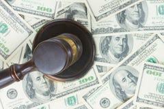 Martelo da lei e dinheiro do Euro fotografia de stock