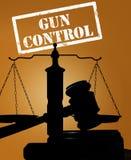 Martelo e controlo de armas foto de stock