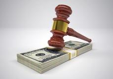 Martelo e dinheiro dos punhados Fotografia de Stock