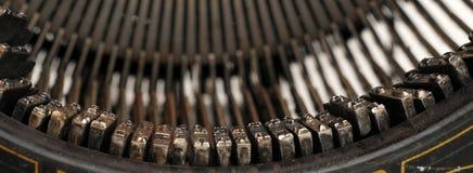 Martelos do metal em uma máquina de escrever velha Fotografia de Stock