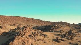 Martian Landscape Vuelo liso sobre el área del desierto de otro planeta almacen de metraje de vídeo