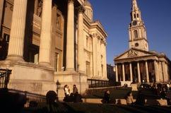 Martin-dans-le-Zones de rue et le National Gallery Image libre de droits
