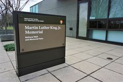 Martin Luther King Jr sinal memorável fotos de stock royalty free