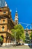 Martin Place avec l'arbre de Noël décoré à Sydney, Australie Images stock