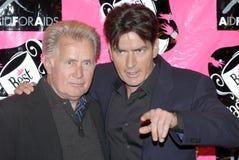 Martin Sheen und Charlie Sheen, der auf dem Re erscheint Stockbilder