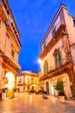 Martina Franca, Апулия, Италия: Аркада del Plebiscito с Святым стоковая фотография
