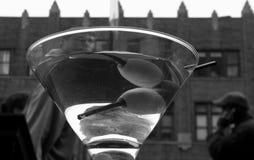 Martini γυαλί στις οδούς του Μανχάταν Στοκ Εικόνες