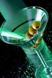 Martini con le olive Fotografie Stock