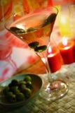 Martini in der Nachtleuchte stockfotos